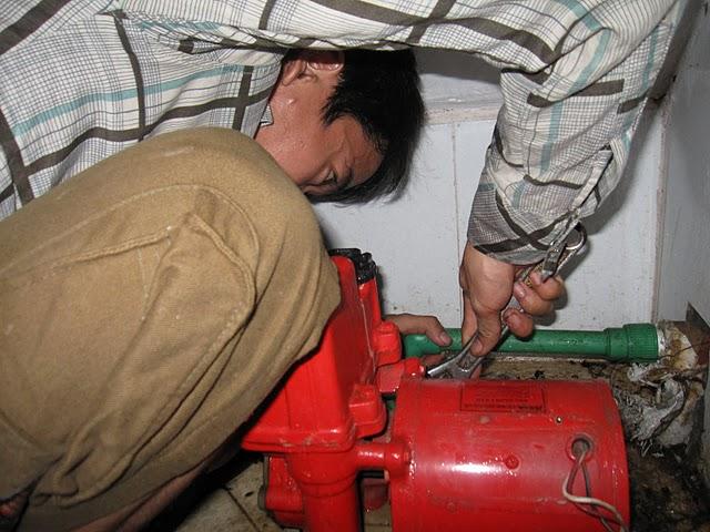 Khắc phục sự cố máy bơm nước khi gặp lỗi nhỏ