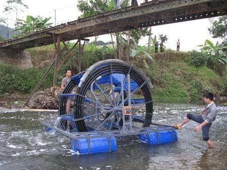 Cận cảnh chiếc máy bơm nước suối