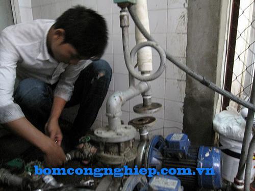 Sử dụng máy bơm nước dân dụng